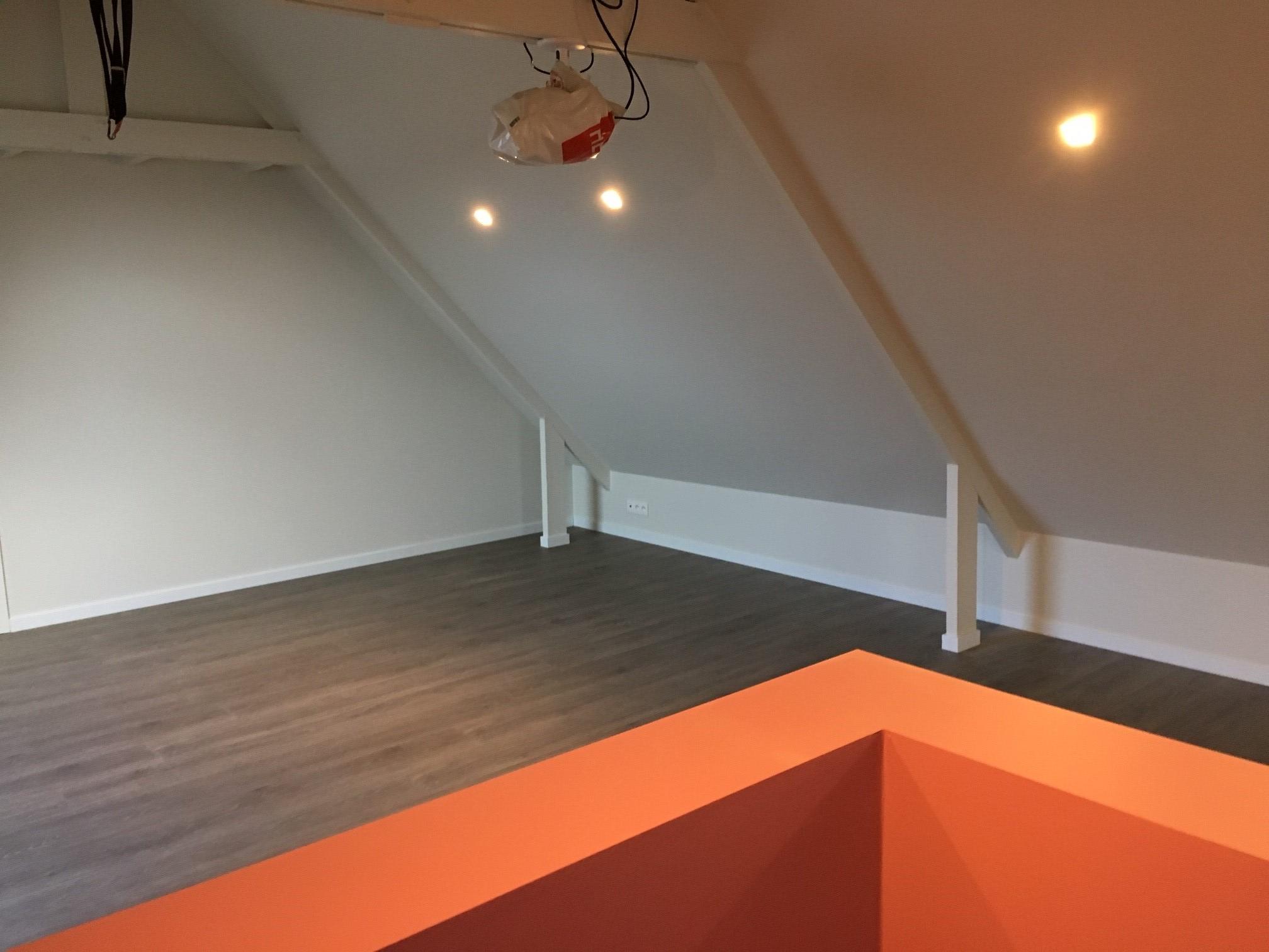 Zolderrenovaties-West Vlaanderen-laminaat